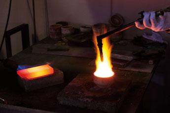 貴金属の精錬加工
